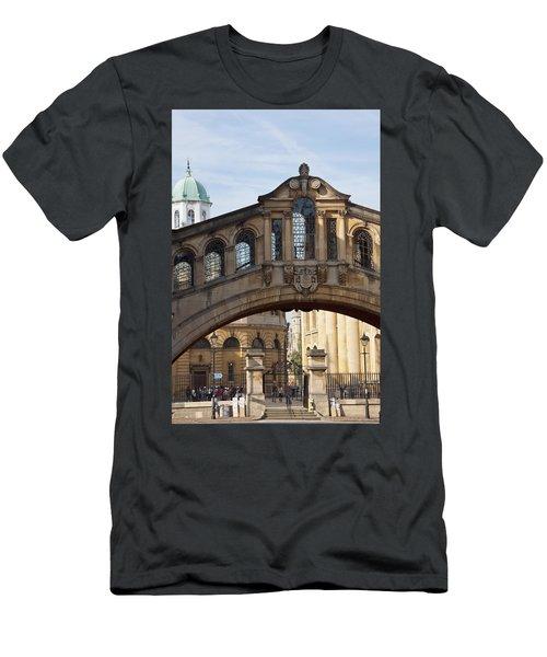 Bridge Of Sighs Oxford Men's T-Shirt (Athletic Fit)