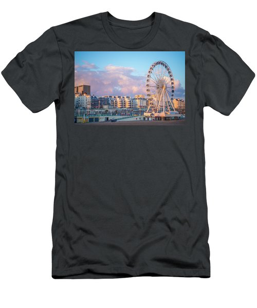 Brighton Ferris Wheel Men's T-Shirt (Athletic Fit)