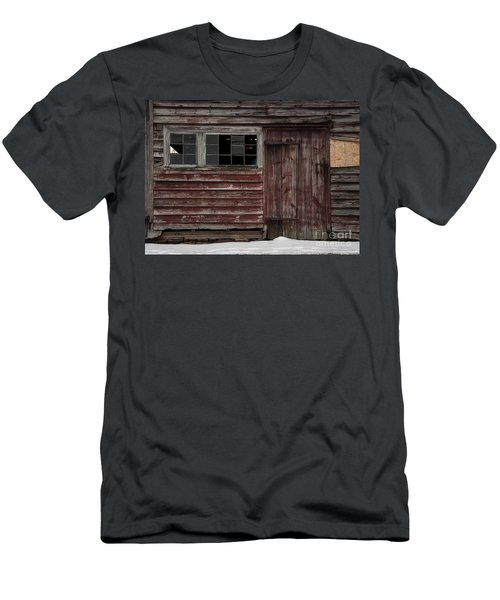 Broad Side Of A Barn Men's T-Shirt (Athletic Fit)