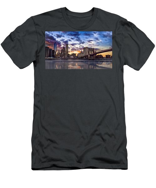 Brooklyn Bridge Manhattan Sunset Men's T-Shirt (Athletic Fit)