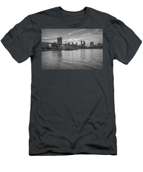 Brooklyn Bridge Monochrome Men's T-Shirt (Athletic Fit)