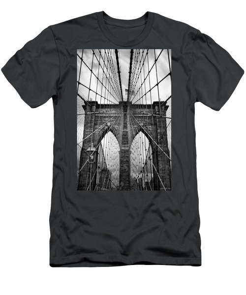 Brooklyn Bridge Mood Men's T-Shirt (Athletic Fit)