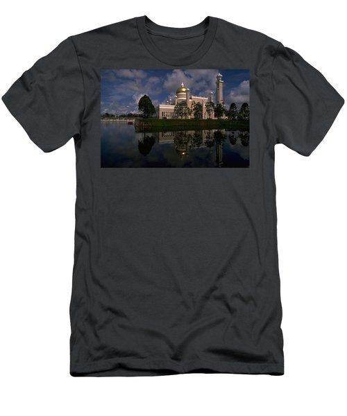 Brunei Mosque Men's T-Shirt (Athletic Fit)