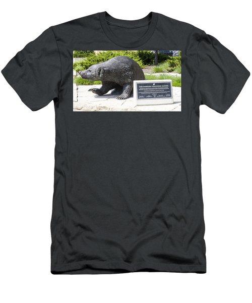 Bucky Badgr - Uw Madison - Wisconsin Men's T-Shirt (Athletic Fit)