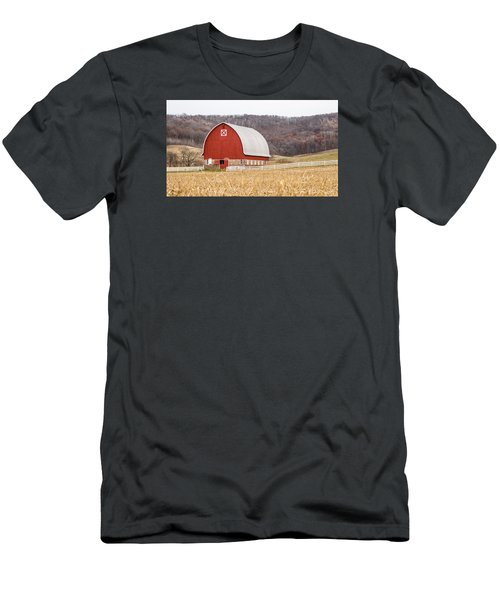 Men's T-Shirt (Slim Fit) featuring the photograph Buffalo County Barn by Dan Traun