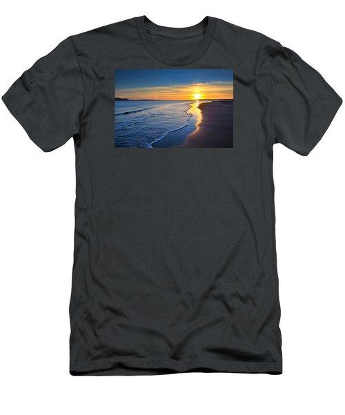 Burry Port Beach Men's T-Shirt (Athletic Fit)