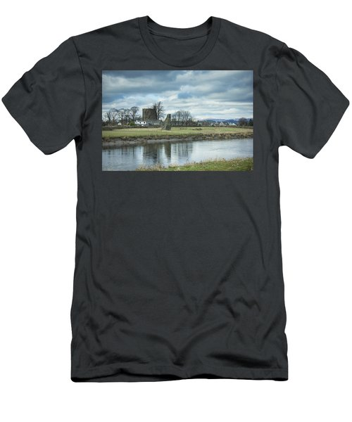 Cambuskenneth Abbey And The River Forth Men's T-Shirt (Athletic Fit)