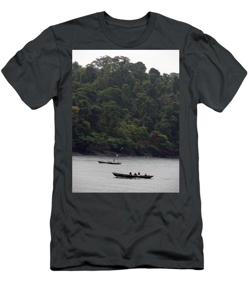 Cameroon Fisherman Africa Men's T-Shirt (Athletic Fit)