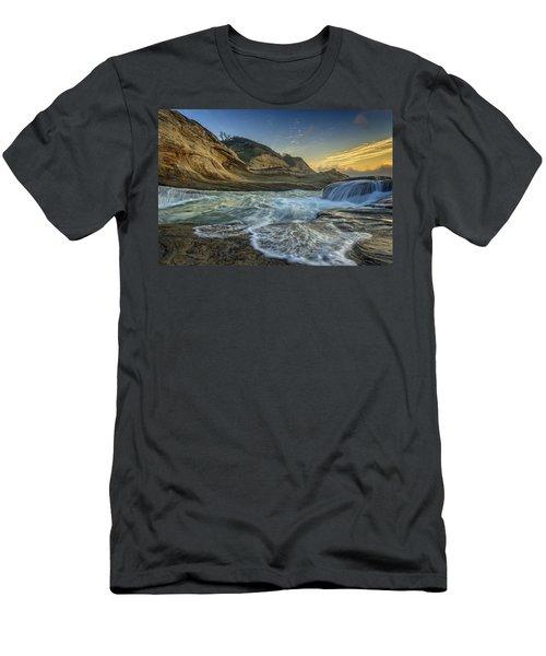 Cape Kiwanda Men's T-Shirt (Athletic Fit)