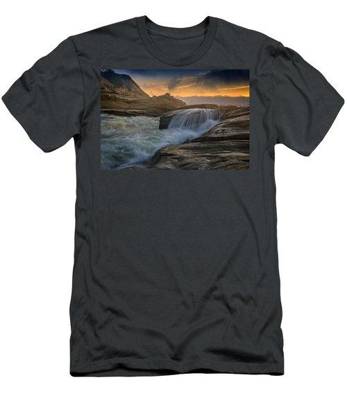Cape Kiwanda Tides Men's T-Shirt (Athletic Fit)