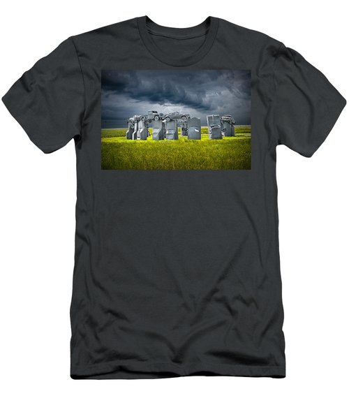Car Henge In Alliance Nebraska After England's Stonehenge Men's T-Shirt (Athletic Fit)