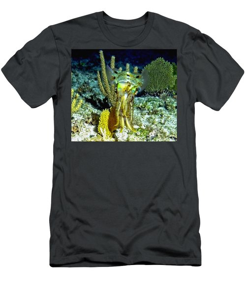 Caribbean Squid At Night - Alien Of The Deep Men's T-Shirt (Athletic Fit)