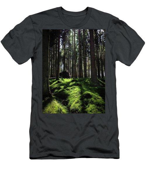 Carpet Of Verdacy Men's T-Shirt (Athletic Fit)