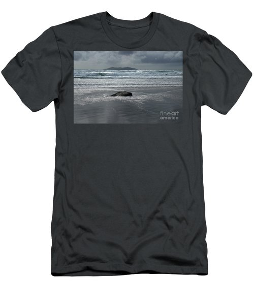 Carrowniskey Beach Men's T-Shirt (Athletic Fit)