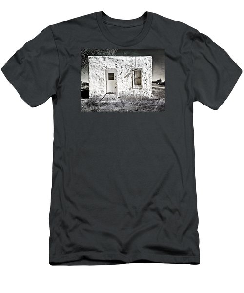 Casa De Blanco Men's T-Shirt (Athletic Fit)