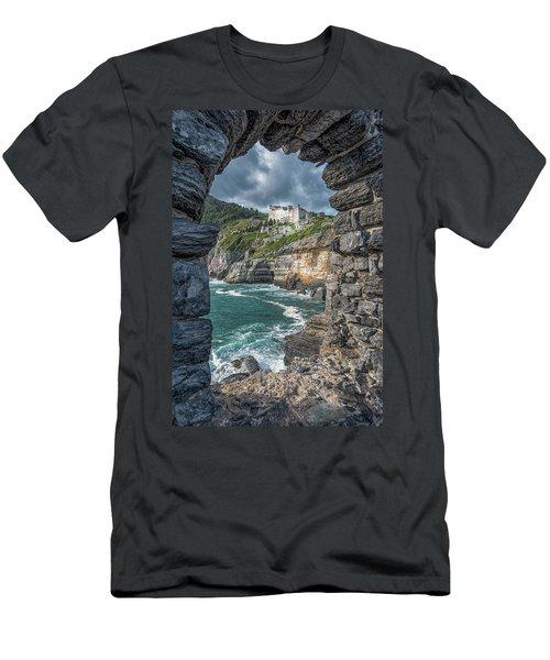 Castello Doria Men's T-Shirt (Athletic Fit)