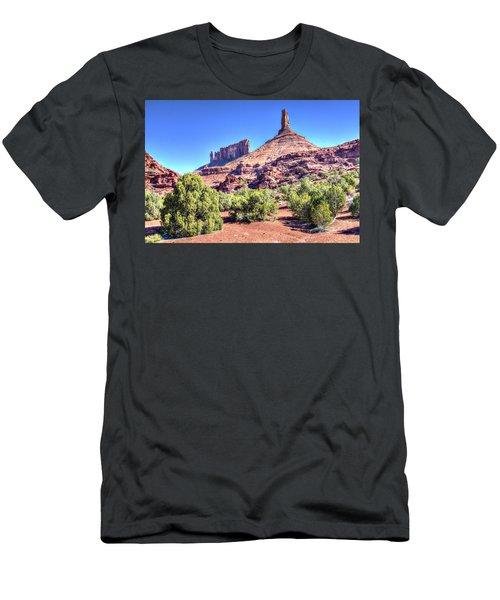 Castleton Tower Men's T-Shirt (Slim Fit) by Alan Toepfer