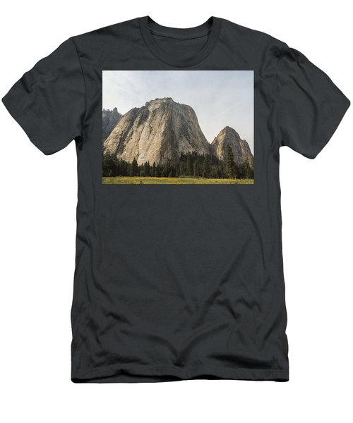 Cathedral Spires Yosemite Valley Yosemite National Park Men's T-Shirt (Athletic Fit)