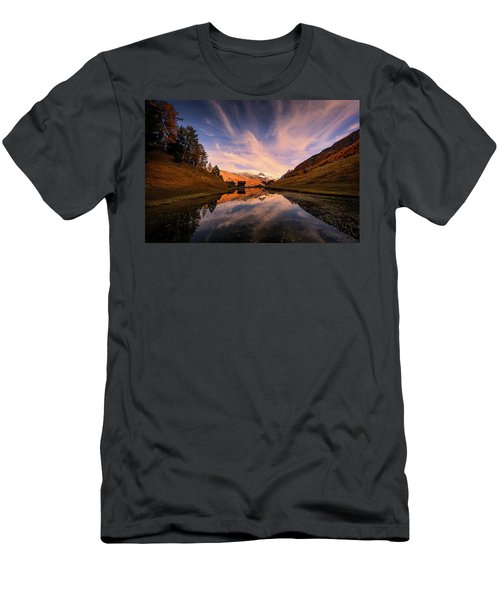 Chalet With An Autumn View Men's T-Shirt (Athletic Fit)