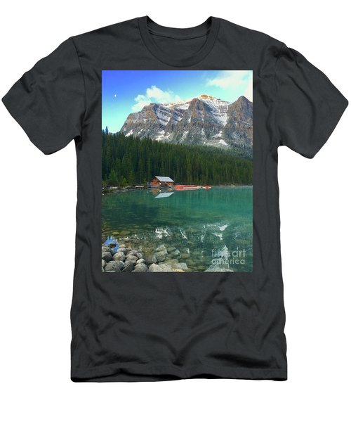 Chateau Boat House Men's T-Shirt (Athletic Fit)