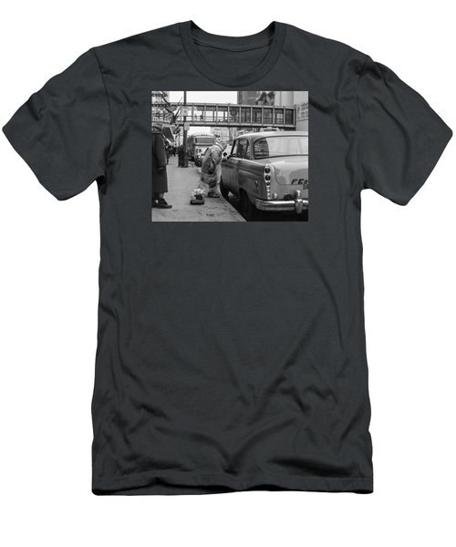 Chatting Up A Cabby On 7th Street Men's T-Shirt (Athletic Fit)