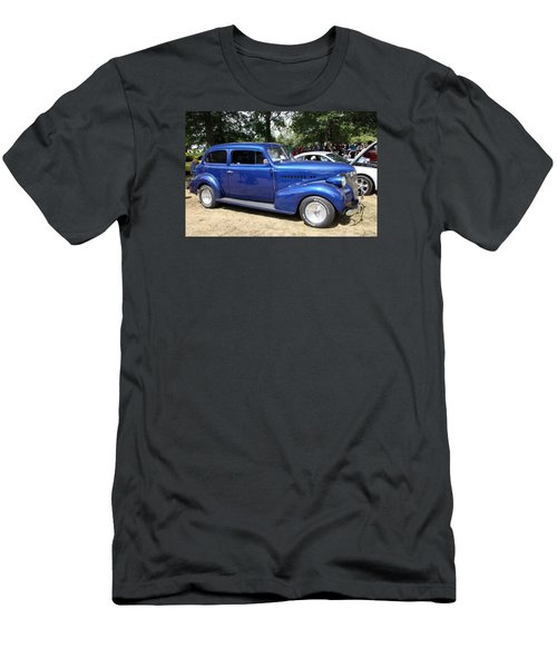 Chevy Town Sedan 1939 Men's T-Shirt (Athletic Fit)
