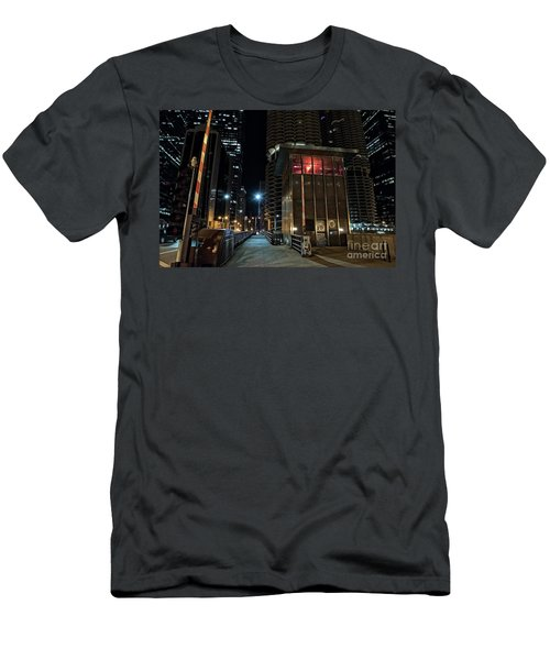 Chicago Urban Vintage River Drawbridge With Tender House At Night Men's T-Shirt (Athletic Fit)