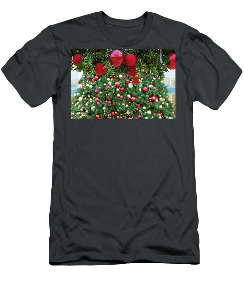 Christmas Holiday Red Ornaments On Garland Men's T-Shirt (Athletic Fit)