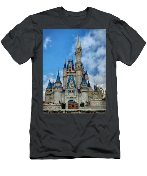 Cinderella Castle Men's T-Shirt (Athletic Fit)