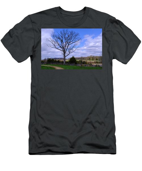 Civil War Fence And Tree With No Leaves Next In Gettysburg Penns Men's T-Shirt (Athletic Fit)