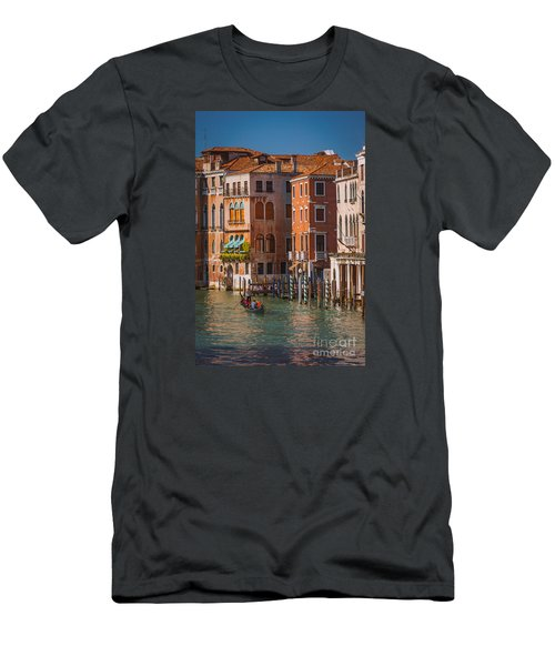 Classic Venice Men's T-Shirt (Athletic Fit)