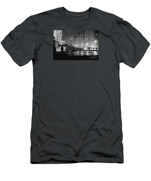 Men's T-Shirt (Slim Fit) featuring the photograph Closing At The Met by Sandy Moulder
