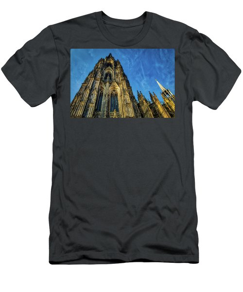 Cologne Cathedral Afternoon Men's T-Shirt (Athletic Fit)