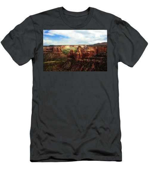 Colorado National Monument Men's T-Shirt (Athletic Fit)