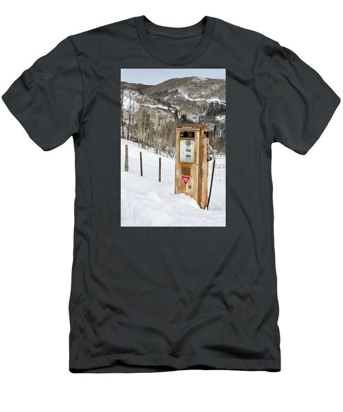 Conoco In The Snow Men's T-Shirt (Athletic Fit)