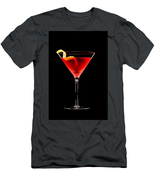 Cosmopolitan Cocktail In Front Of A Black Background  Men's T-Shirt (Athletic Fit)