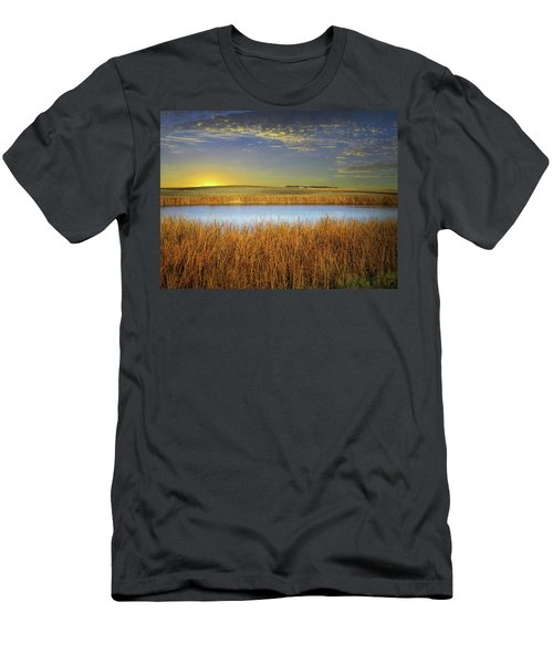 Country Field 2 Men's T-Shirt (Athletic Fit)