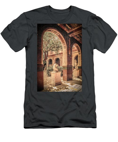 Paris, France - Courtyard West - L'ecole Des Beaux-arts Men's T-Shirt (Athletic Fit)