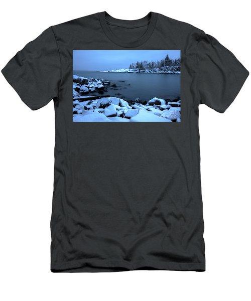 Cove Point Lodge Lake Superior Minnesota Men's T-Shirt (Athletic Fit)