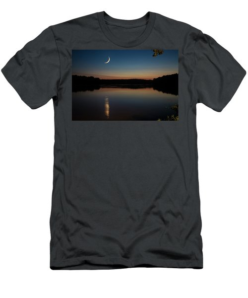 Crescent Moon Set At Lake Chesdin Men's T-Shirt (Athletic Fit)