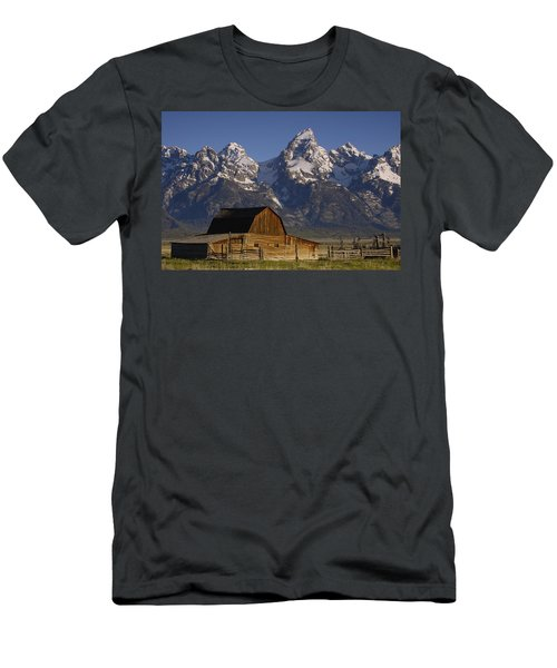 Cunningham Cabin In Front Of Grand Men's T-Shirt (Athletic Fit)