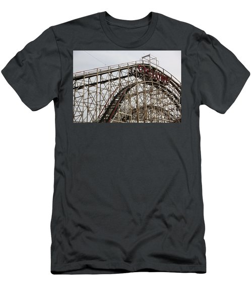 Cyclone Roller Coaster Coney Island Ny Men's T-Shirt (Athletic Fit)
