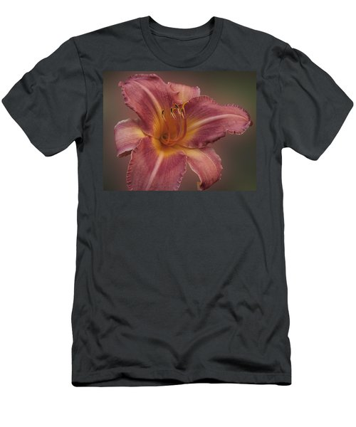 Daylily Blur Men's T-Shirt (Athletic Fit)