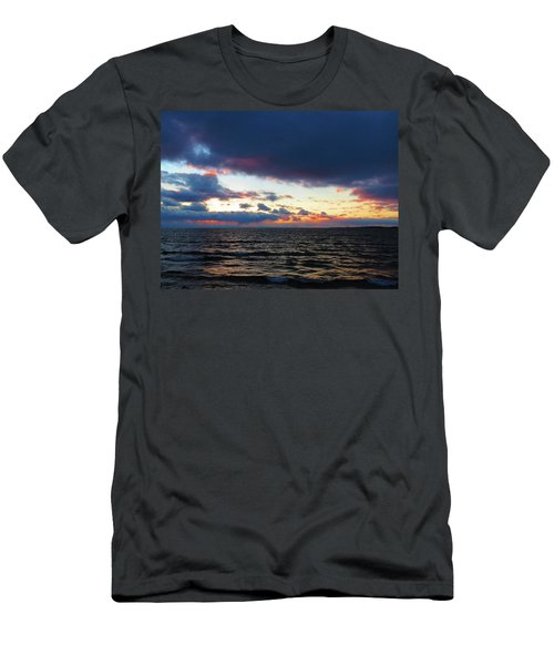 December Sunset, Wolfe Island, Ca. View From Tibbetts Point Lighthouse Men's T-Shirt (Athletic Fit)