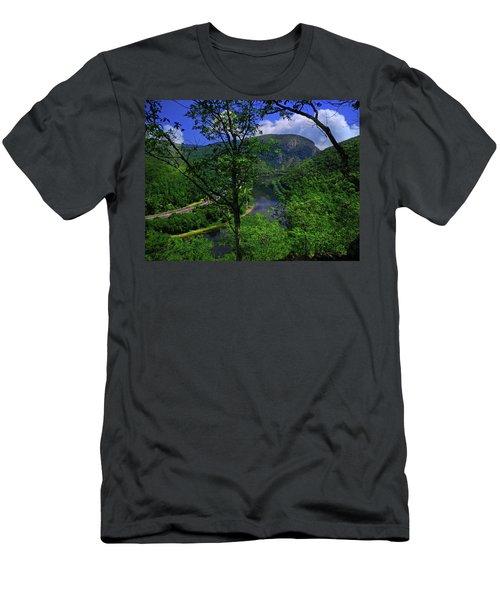 Delaware Water Gap Men's T-Shirt (Athletic Fit)