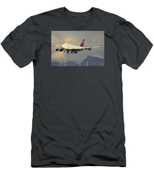 Delta Boeing 747-451 N668us Phoenix Sky Harbor January 8 2015 Men's T-Shirt (Slim Fit)