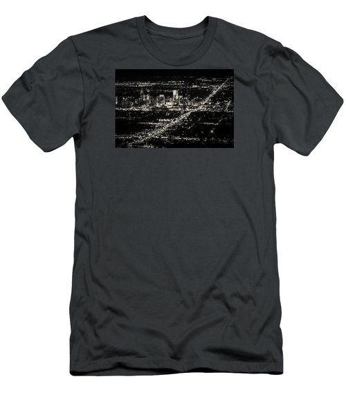 Denver Skyline Men's T-Shirt (Athletic Fit)
