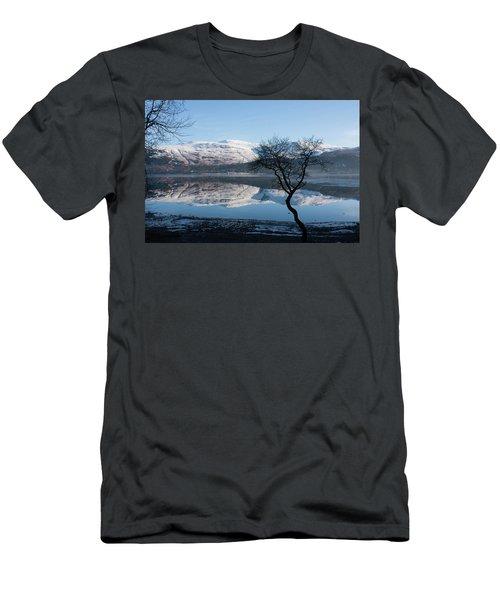 Derwentwater Tree View Men's T-Shirt (Athletic Fit)