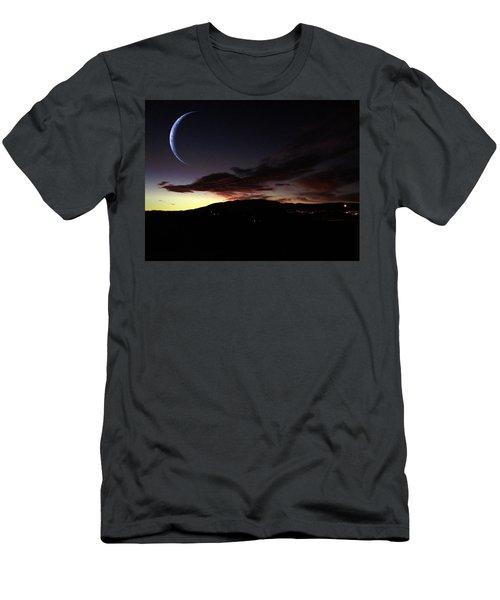 Desert Crescent Men's T-Shirt (Slim Fit)
