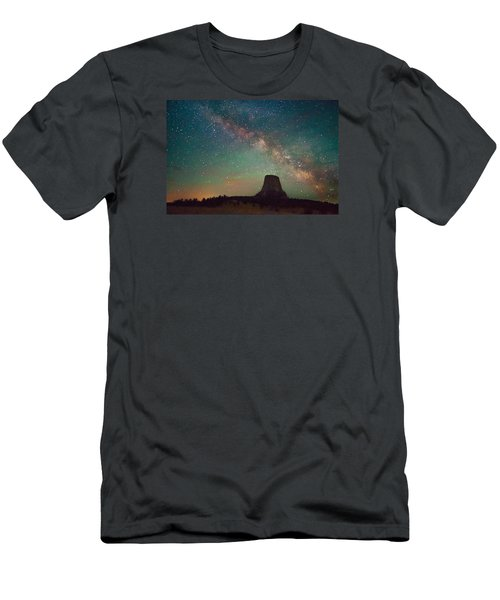 Devils Tower Lights Men's T-Shirt (Athletic Fit)